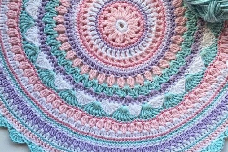 idee su Tappeto A Maglia su Pinterest  Tappeti fatti alluncinetto ...