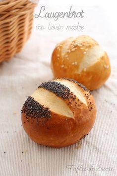 Si fa presto a dire panini laugenbrot, forse i fratelli bretzel sono più famosi. Sono dei panininetti piccini, saporiti con quella crosticina fantastica.