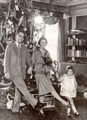 F. Scott, Zelda & Scottie Fitzgerald (1925) Christmas in Paris