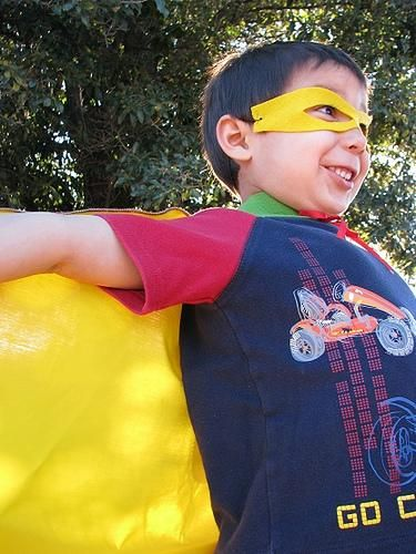 DIY Superhero Costume : DIY Super Hero Cape Tutorial