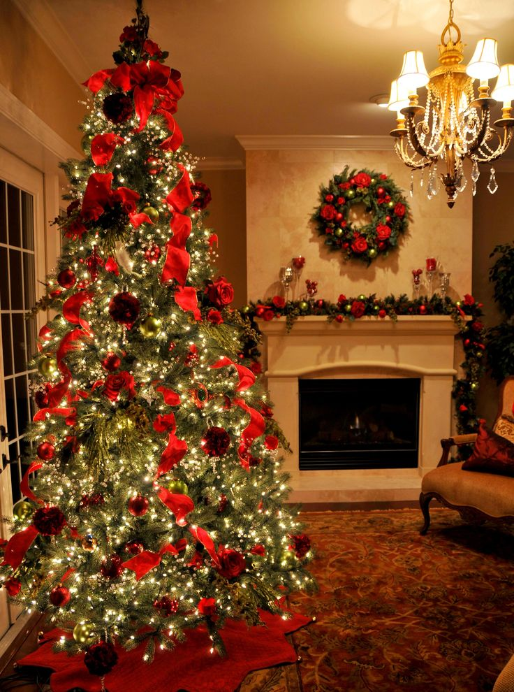Amazing Classic Elegant Christmas Tree And Fireplace Mantel Decoration In  Joyful Color And Lighting Details.