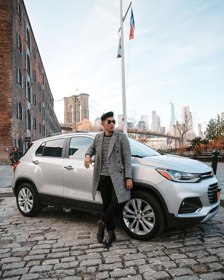 Recap of my Friendsgiving day with @drivemaven is live on the blog! My first time using Maven and I loved how easy the whole car sharing process was. I used the app to select the car and pick-up location connected to the car with Apple CarPlay and Wifi and was surprised that it included gas and vehicle insurance - the two things that always made car rental an extra hassle. Read more about how you can use Maven Car Sharing to #BeThere for this busy holiday season! - #LevitateStyle #Partner
