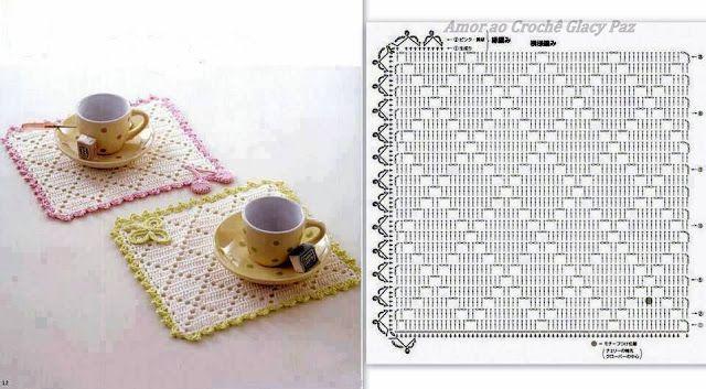 Oieeee!!     Fazendo várias coisas ao mesmo tempo...rsrsrs   Para não sumir do blog, quero mostrar estes dois tapetinhos simples que j...