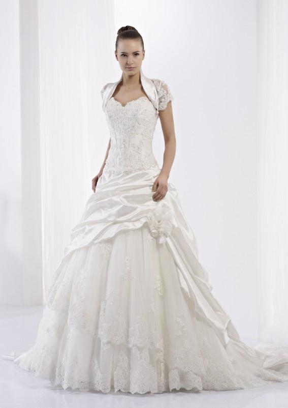 Collezione abiti da sposa #Jolies, abito da #sposa modello JOAB13417IV