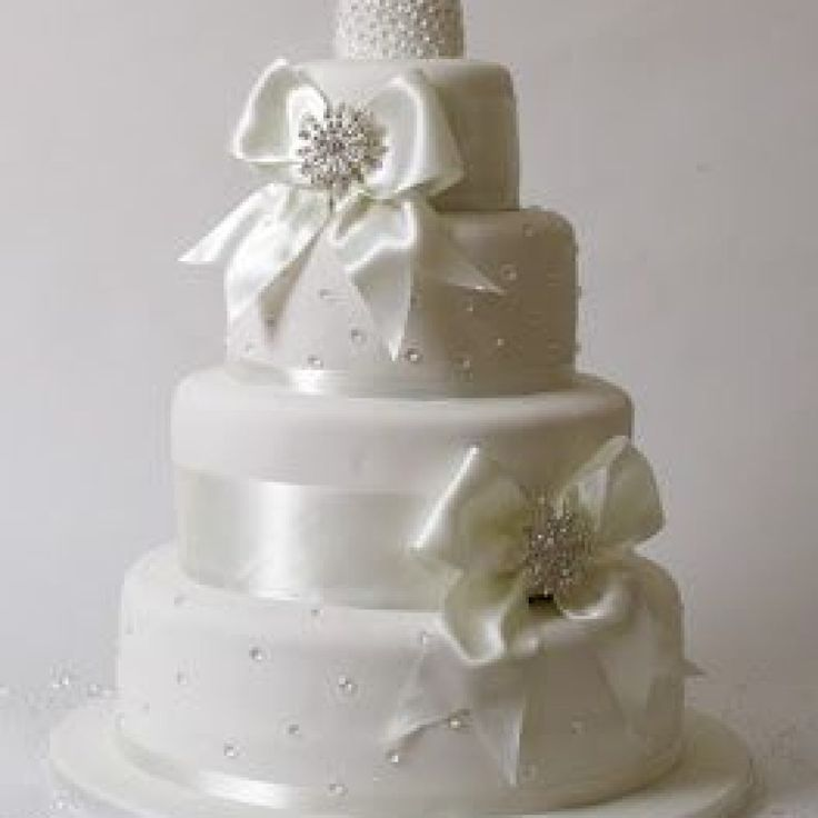 edible diamonds wedding cake best 25 edible diamonds ideas on cake 13896