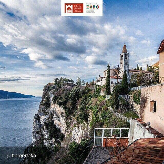 Location: #TremosineSulGarda - Borgo di Pieve (BS) Photo Credit: @alessia_b71 #borghitalia #borghipiubelli #Italia #Italy #charmingItaly #Expo2015 #Expo2015Milano #ExpoMilano2015 #ExpoMilan2015 #Expoidee #LagoDiGarda #VisitLagoDiGarda #LakeGarda #VisitLakeGarda #Gardasee #Gardameer #GardaLake #Gardasøen #Italy by @borghitalia
