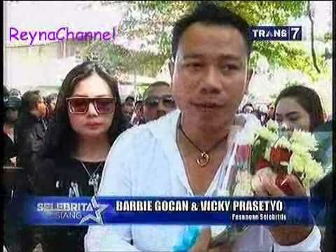 Vicky Prasetyo & Barbie Gochan Kunjungi Rumah Angeline Di Bali, Selebrita 15 Juni 2015 - YouTube