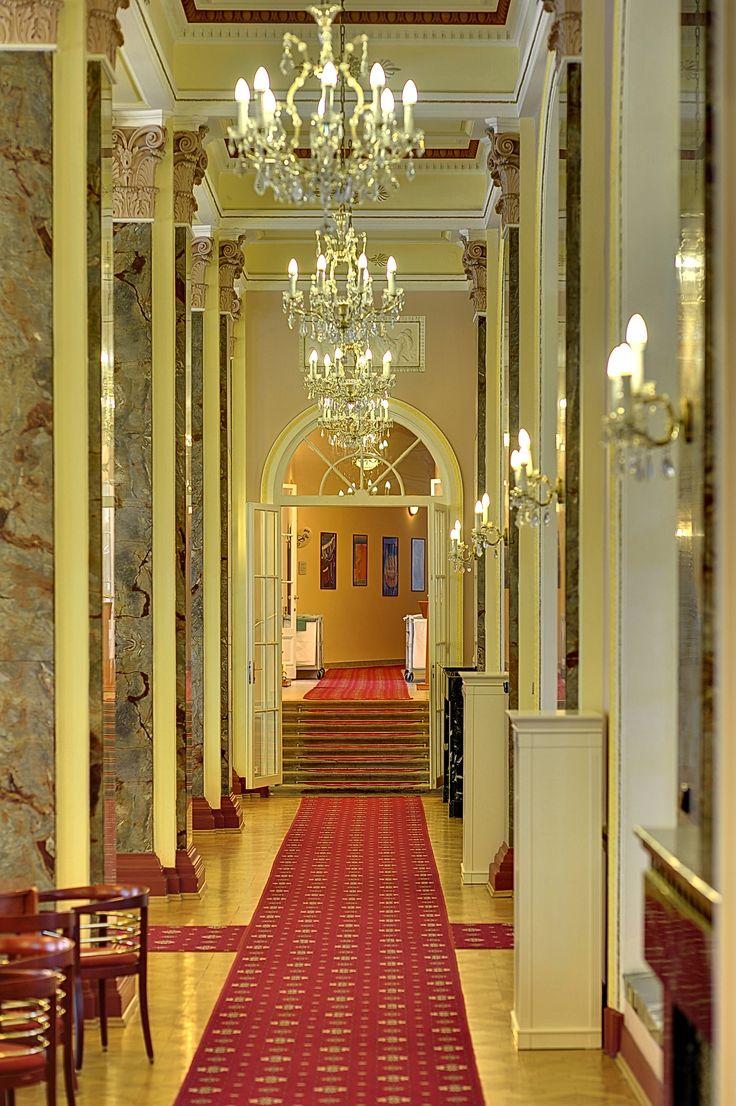 Radium Palace - lobby