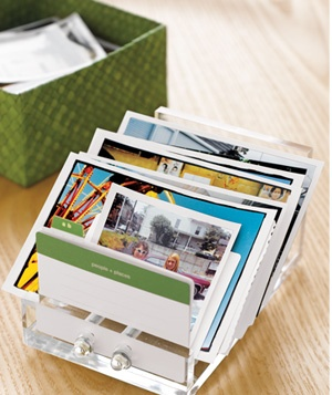 Showcase favorite walletsize photographs by stashing them in a business card file on your desk. an idea to remember!