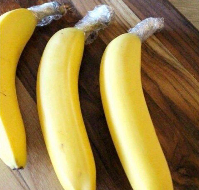 Suas bananas amadurecem muito rápido?! Dica simples: retire-as do cacho e envolva a haste com plástico filme!