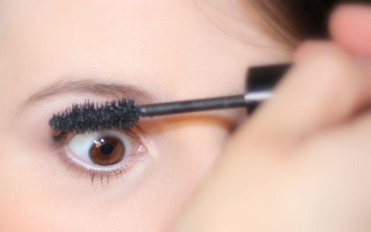 Nie wiesz w jaki sposób pielęgnować brwi? Jakie stosować kosmetyki, aby je podkreślić? Przeczytaj nasz artykuł. Jednym z najważniejszych trendów dbania o kobiecą urodę jest perfekcyjny makijaż, który był kiedyś zarezerwowany dla gwiazd filmowych, telewizyjnych oraz świata mody. W dzisiejszych... http://blogtown.pl/perfekcyjny-makijaz-tylko-z-idealnymi-brwiami/