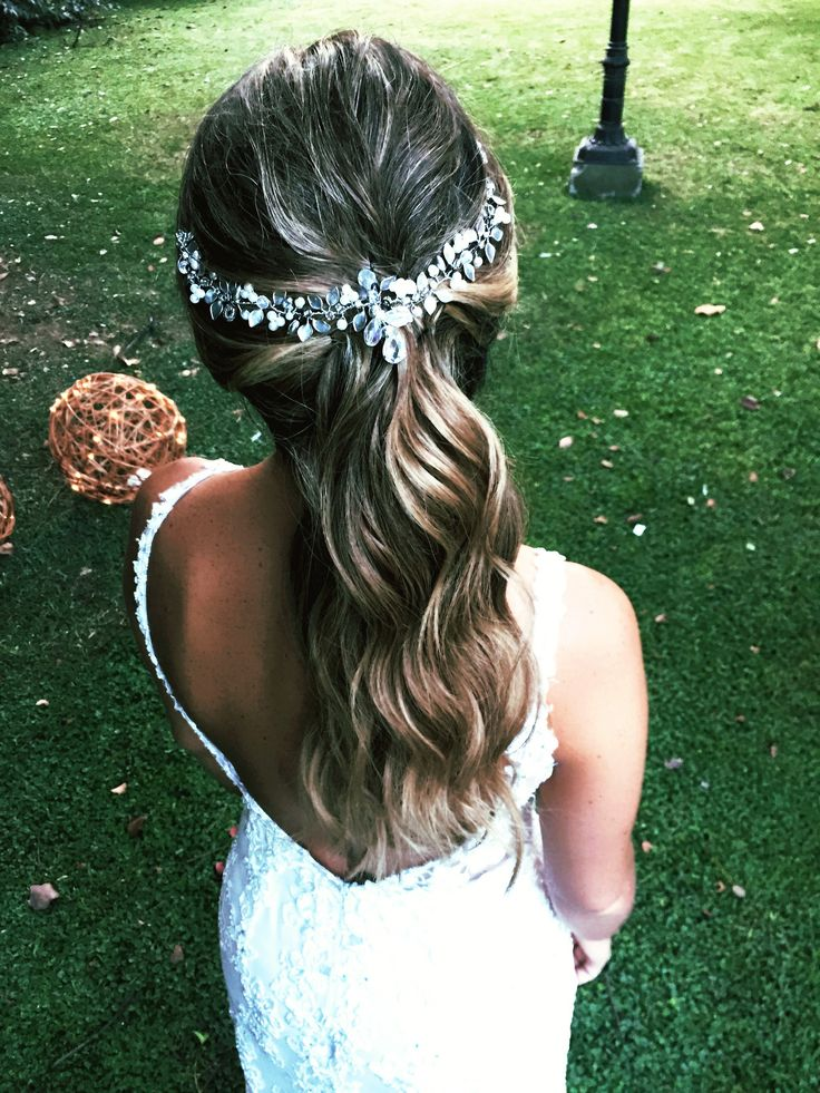 Bridal ponytail 💫👰🏼 by @lacoquettevictoria