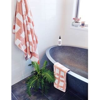 Australian Designed Blankets, Linen Throws, Cushions and Towels