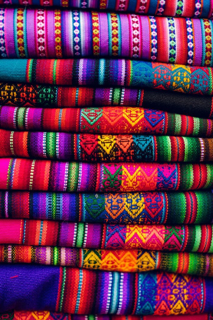 Brilliant Peruvian Typical Textile Designs & Fabrics -=- Among the Most Beautiful & Treasured Traditions  <3