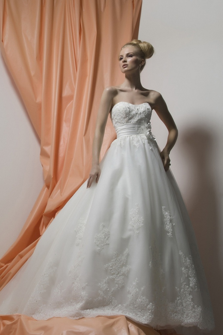 60 best Your wedding dress ideas images on Pinterest Wedding