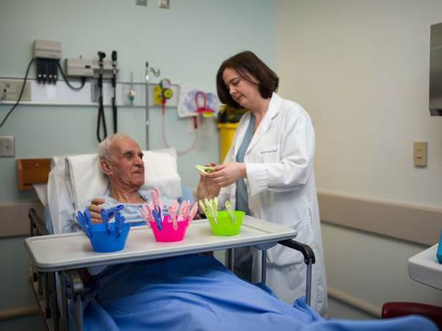 Toronto hospital uses new method to calm dementia patients in the ER   National Post