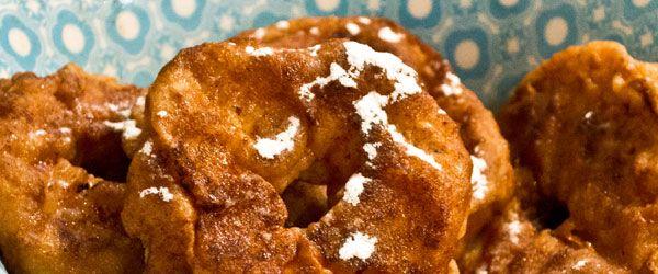 Lekker simpel recept voor glutenvrije appelbeignets. Ideaal als snack voor Oud en Nieuw. Weinig ingrediënten, veel smaak!
