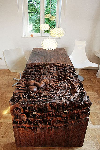 Godogan Table by Niels van Eijk & Miriam van der Lubbe / Godogan table, Droog & Palm hanging light, Freedom Of Creation