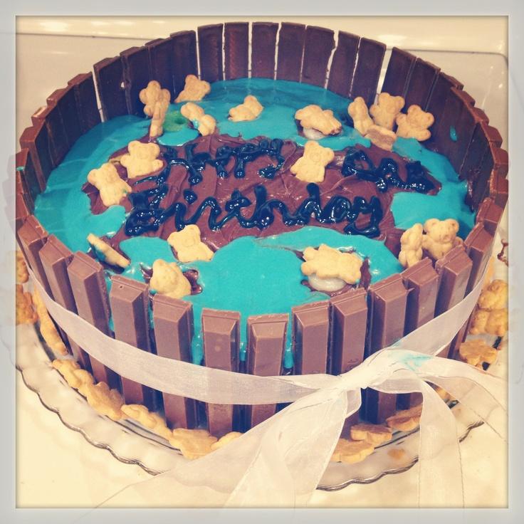 Kit Kat Teddy Graham Pool Cake!