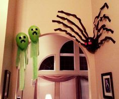 Minecraft creepers and spider balloons - Birthday party decorations