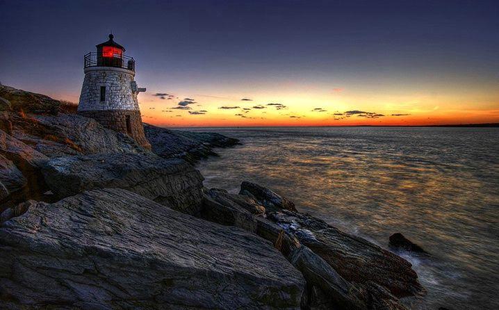 Dusk at Rhonde Island Lighthouse