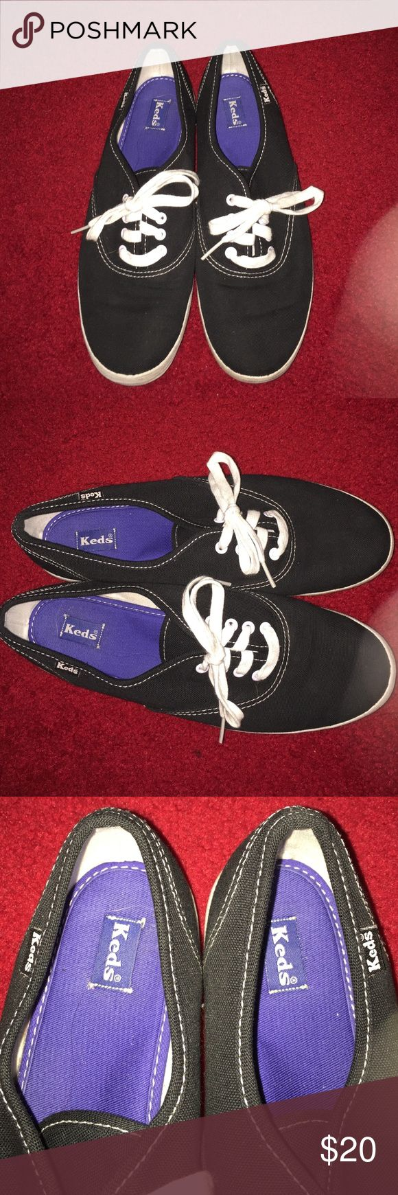 Keds sneakers size 8  💜like new!💜 Keds sneakers 👟 like new! Black sneaker, size 8. Low cut shoe with white laces and white stitching trim on shoe. Keds Shoes Sneakers