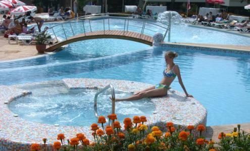 Cazare HOTEL COM 3*, Albena, Bulgaria, preţuri camere, localizare hartă | Agenţia de turism EnjoyTravel Chişinău, Oferte de vacanță, Bilete de avion