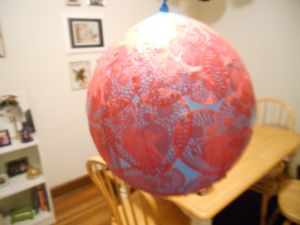 How to make doily globe with paper doilies! Way cheaper and easier to find!