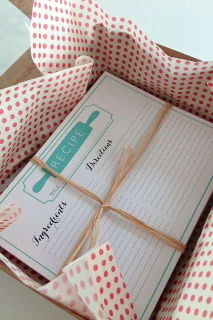 The Social Home: Freebies | Printable Heirloom Recipe Cards - Great Christmas gift idea!