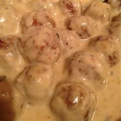 """generous amount of sauce for a 1/2 package (20 oz) of meatballs. Serve over egg noodles or rice."""""""
