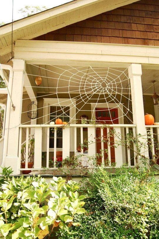 10 ideas for decorating your porch this halloween - Unusual Halloween Decorations