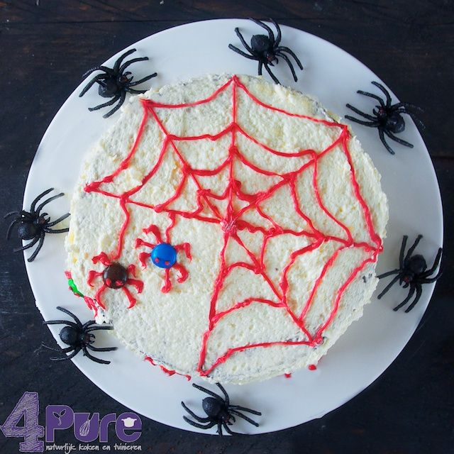 Halloween spider cake - 4Pure