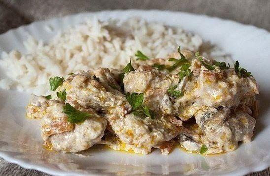 Мясо с грибами в сметанном соусе