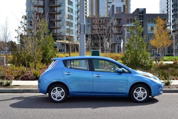2013 Nissan Leaf.