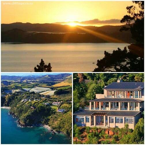 Lihatlah pemandangan yang spektakuler ini, inginkah Anda bangun pagi dengan pemandangan seperti ini setiap pagi?  Lokasi: Clifftops Luxury B yang terletak di pulau Waiheke, sebuah pulau tidak jauh dari kota Auckland. Dengan pemandangan menghadap ke laut dan lembah Onetangi yang terkenal dengan perkebunan anggur di bagian belakang, menjadikan akomodasi ini menjadi tempat yang tepat untuk liburan Anda dan keluarga.  For more info, please visit our twitter/facebook page Twitter: @LuxuryNZ_ID…