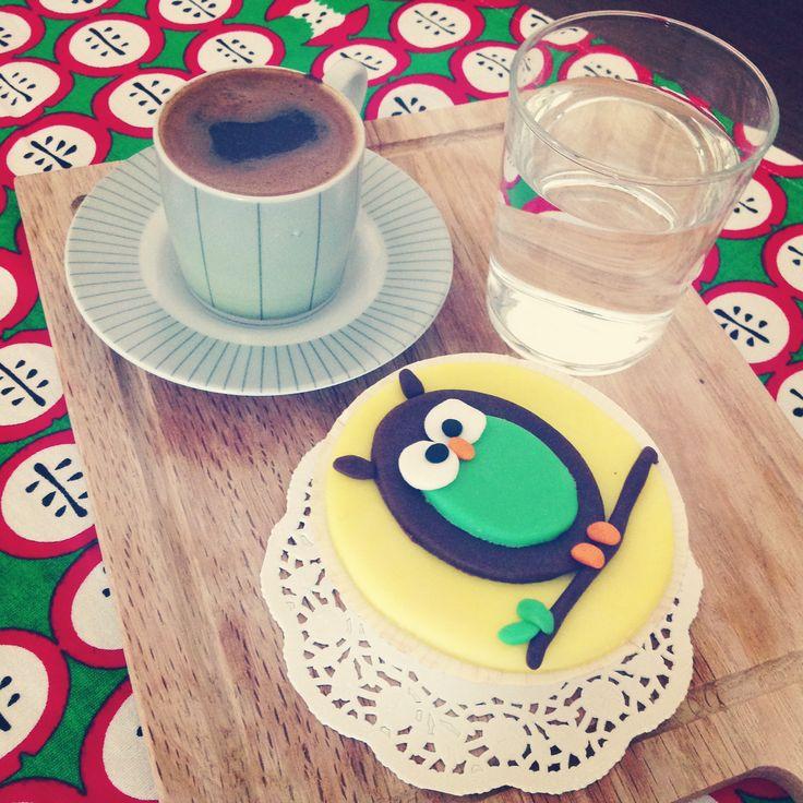 Turkish coffe with chocolate cupcake