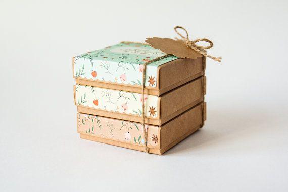Les femmes cadeau ensemble de 3 4 5 savons par AnnHedgHome