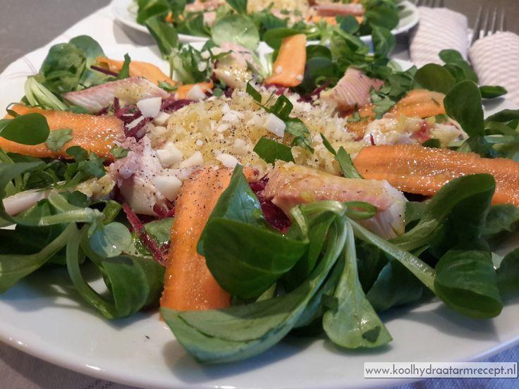 Samen met een hemels lekkere salade vormt deze heerlijke gerookte forel een supergezonde en verantwoorde vismaaltijd.