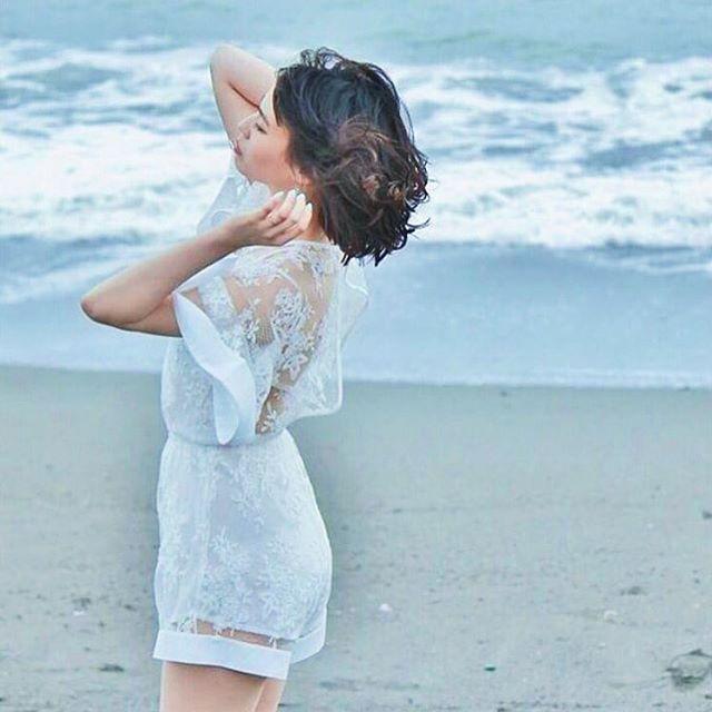 透け素材に施した刺繍が美しすぎる! 人気のおすすめモテ系ロンパースの一覧。レディースファッションのトレンドコーデ♪