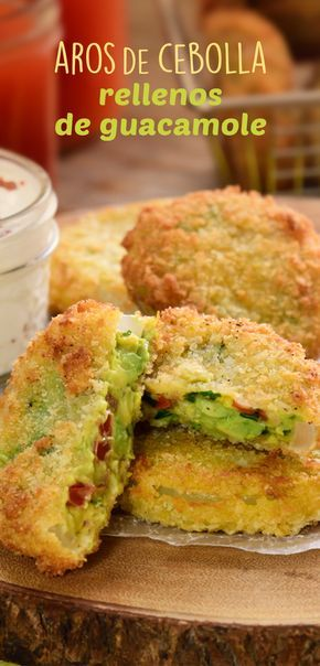 ¡Rellena los aros de cebolla con un riquísimo guacamole y enamórate de la combinación de texturas y sabores de esta receta!