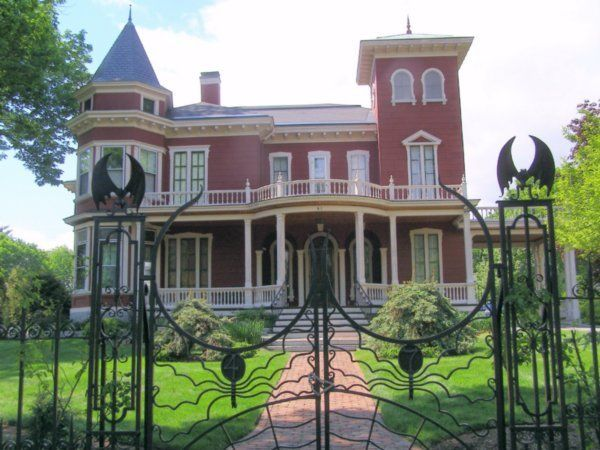 Stephen King's house Maine.  We are both Mainers who live in FL a couple of towns apart.
