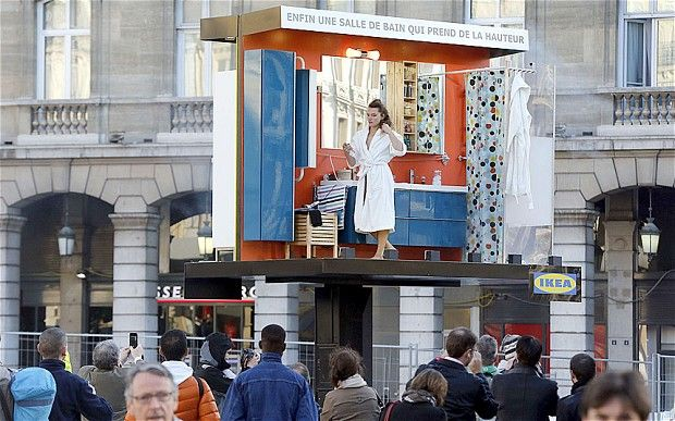 Ikea unveils 3D billboards complete with actors at Paris train station | The Drum