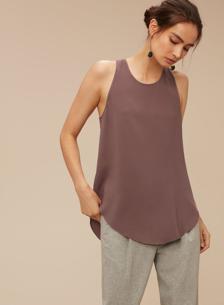 Awesome blouse for inverted triangle shapes (AKA broad shoulders)..
