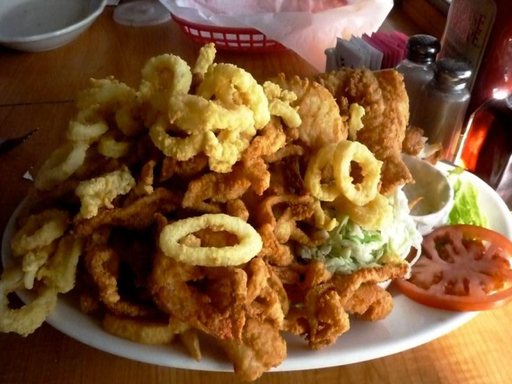 Picture of fried seafood platter, Evelyn's Drive-in ...