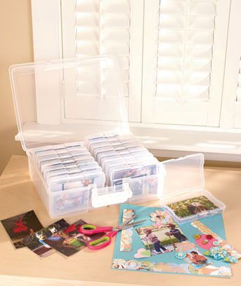 "1,600-Photo Organizer Case protects and organizes your favorite memories. It comes with 16 acid-free photo cases with rounded corners that help keep images looking their best for years to come. Each inner case can hold one hundred 4"" x 6"" photos. Out"