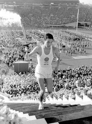 Yoshinori Sakai nasceu perto de Hiroxima no dia em que caiu a bomba atómica, 6 de agosto de 1945