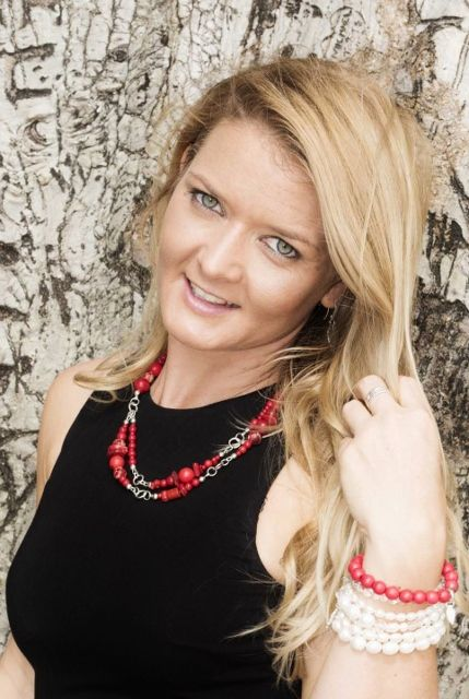 The Utopia Necklace is the perfect length for most outfits , the bold red gives you a feeling of strength as well the happiness for a hint of fun.