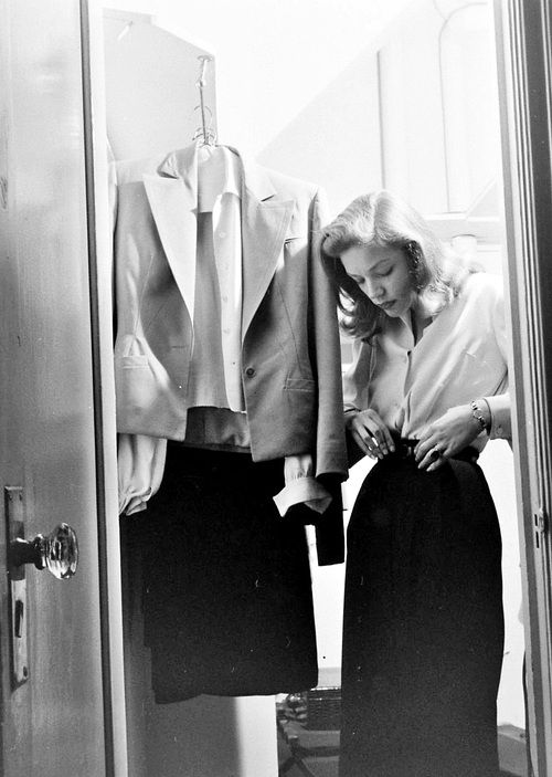 BacallWinter Wardrobes, Vintage, Life Magazines, Lauren Bacall, Style Icons, Hollywood, Pencil Skirts, 1940, 40S Fashion