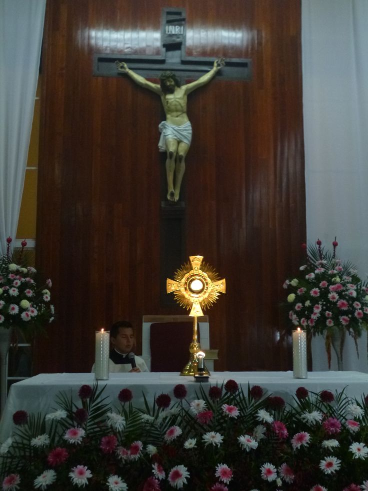 Con gran gozo y alegría el día de hoy celebramos la solemnidad de #CorpusChristi #ArqTl #CristoViveE http://t.co/3opZO9jhXy