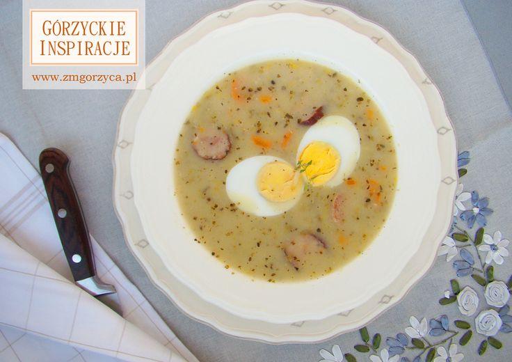 Kojarzy się nieodzownie ze świętami, ale na co dzień jest równie pyszny - barszcz biały z białą kiełbasą surową ekstra i kiełbasą spod strzechy http://zmgorzyca.pl/index.php/pl/kulinarny/zupy/358-barszcz-bialy-6